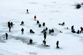 Рыбаки зимой на щуку